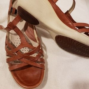 Womens Ecco brown tan color size 7 sandal
